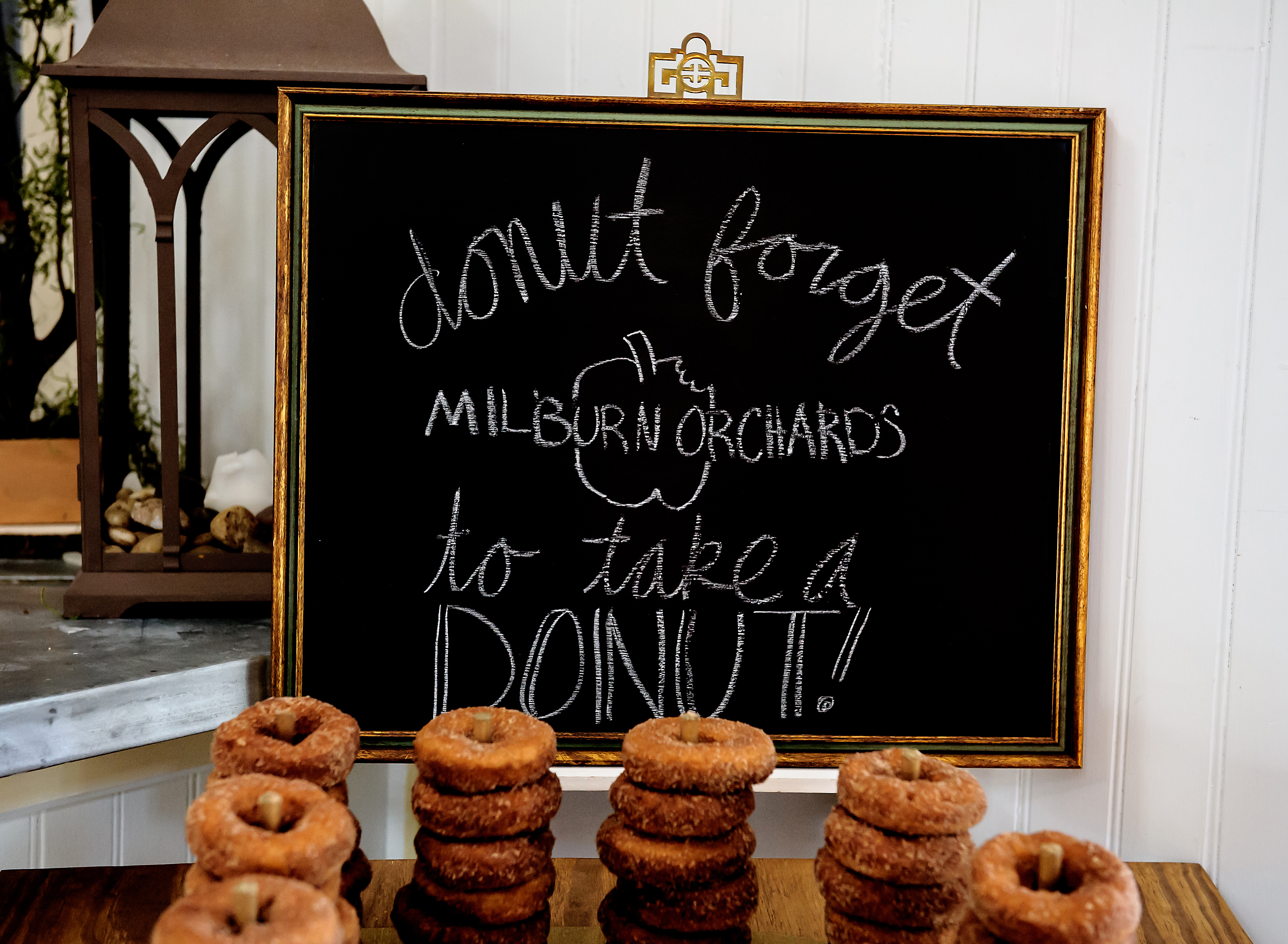 Milburn's Apple Cider Donut Favors
